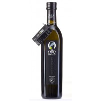 Family Reserve has an intense and complex green fruit, where clear aromas of tomato (characteristic aroma of the picual variety), apple, newly cut grass, green banana, green almond… may all be appreciated and there is no doubt that this oil is marked by i